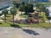 zicht op park en speeltuin